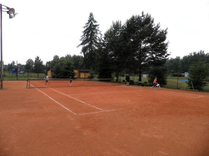 wegierska-gorka-korty-tenisowe-1